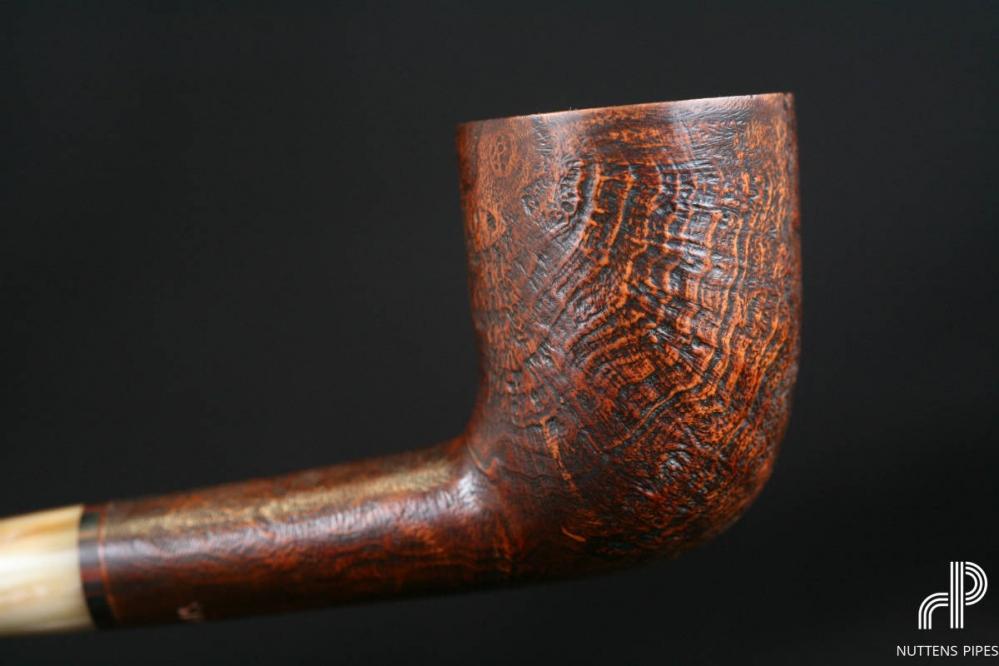 Billiard sandblasted horn stem