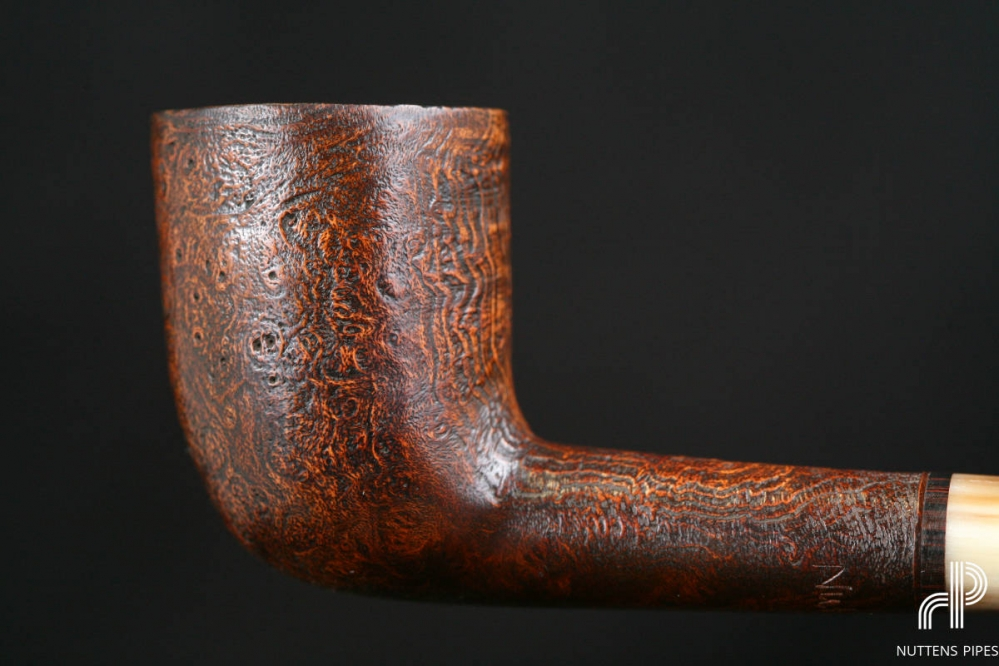 Billiard sandblasted horn stem