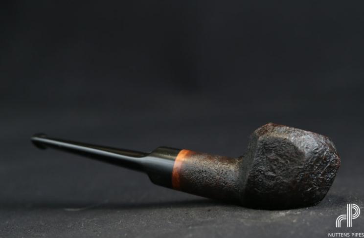 brûle-gueule panelled